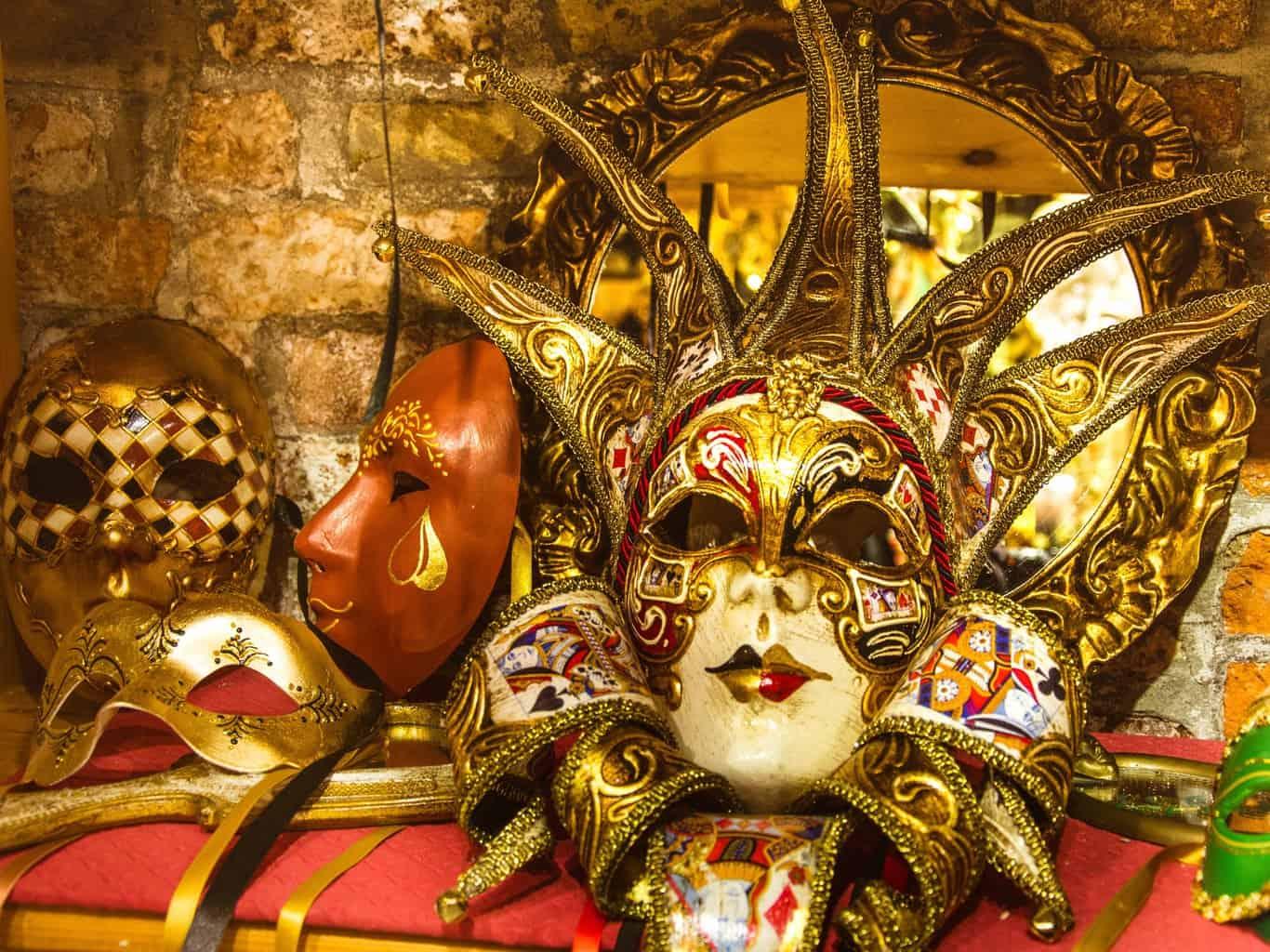 Шоппинг в Венеции. Карнавальные маски