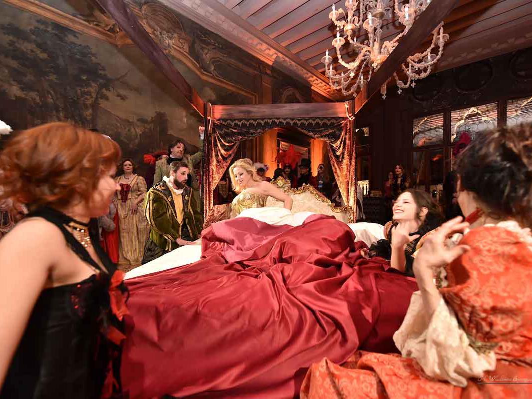 Даты. Карнавал бал в Венеции Куртизанки во дворце