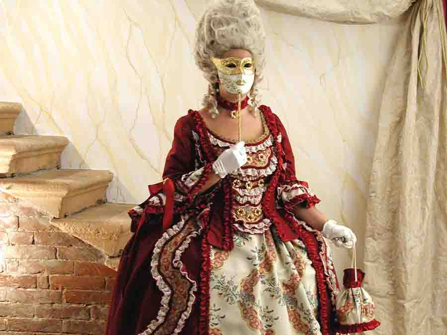 Прокат венецианских карнавальных костюмов 18 века