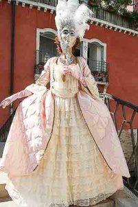 Женский костюм венецианского карнавала
