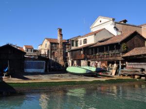Как делают гондолы в Венеции. Посещение верфи