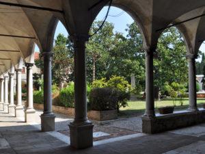 Двор монастыря на острове Сан Микеле. Венеция