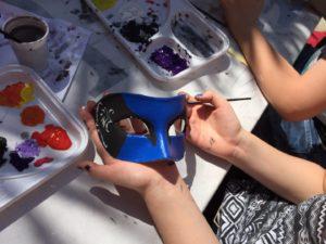 Maschere veneziane: Laboratorio di creazione e decorazione a Burano