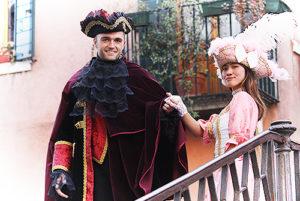 Фотосессия в Венеции в карнавальном костюме. Пара
