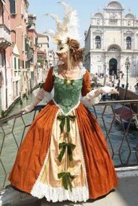 Фотосессия в Венеции в старинном платье