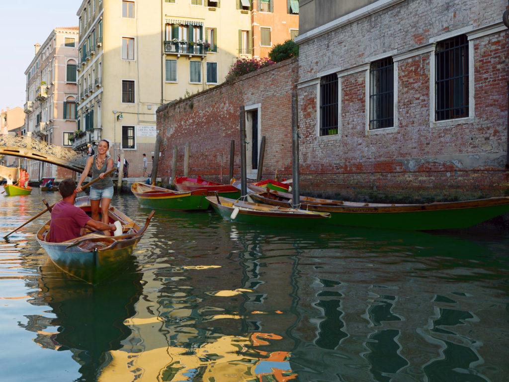 Урок гребли в Венеции